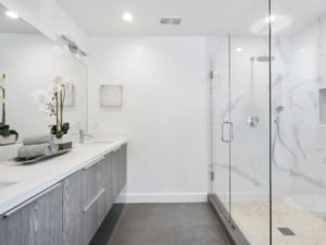 House cleaning tips on how to clean the bathroom